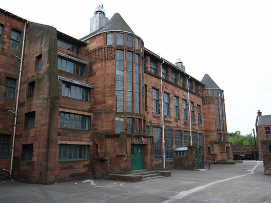 Scotland Street Shool, 1904-6, by Charles Rennie Mackintosh. Image © <a href='https://www.flickr.com/photos/stevecadman/197406196'>Flickr user stevecadman</a> licensed under <a href='https://creativecommons.org/licenses/by-sa/2.0/'>CC BY-SA 2.0</a>
