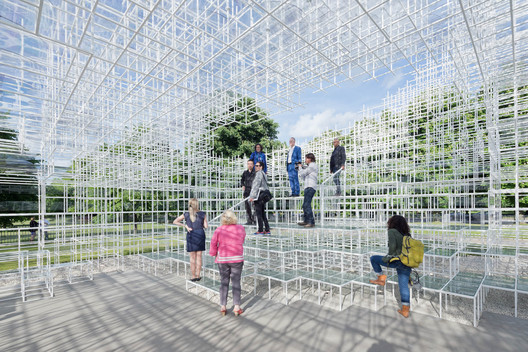 2013 Serpentine Gallery Pavilion / Sou Fujimoto. Image © Iwan Baan