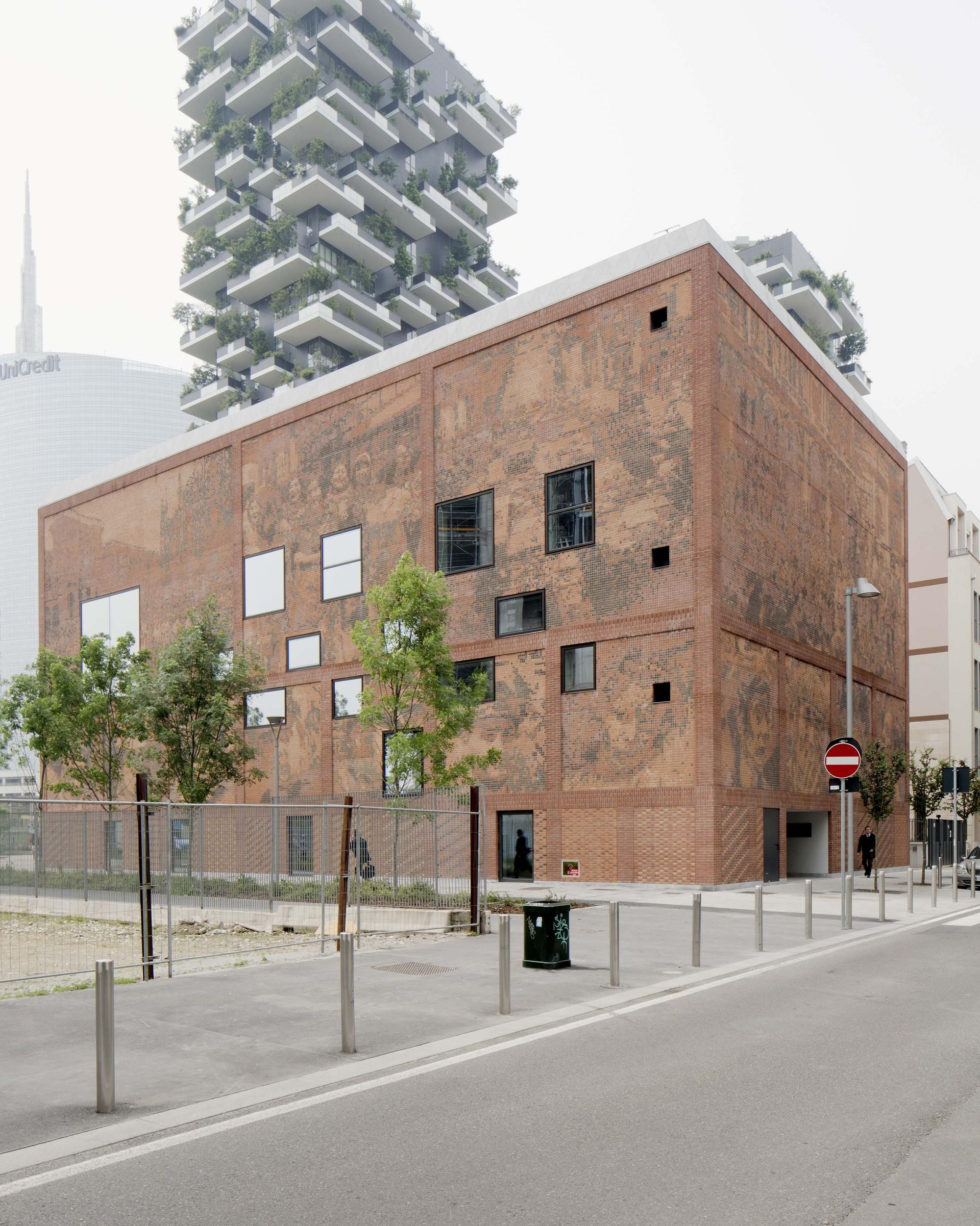 Gallery of house of memory baukuh 6 for Planimetrie della casa contemporanea