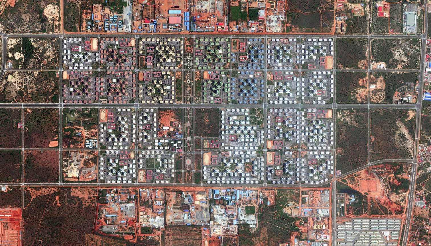 Facing East: Chinese Urbanism in Africa, Kilamba Kiaxi in Luanda, Angola