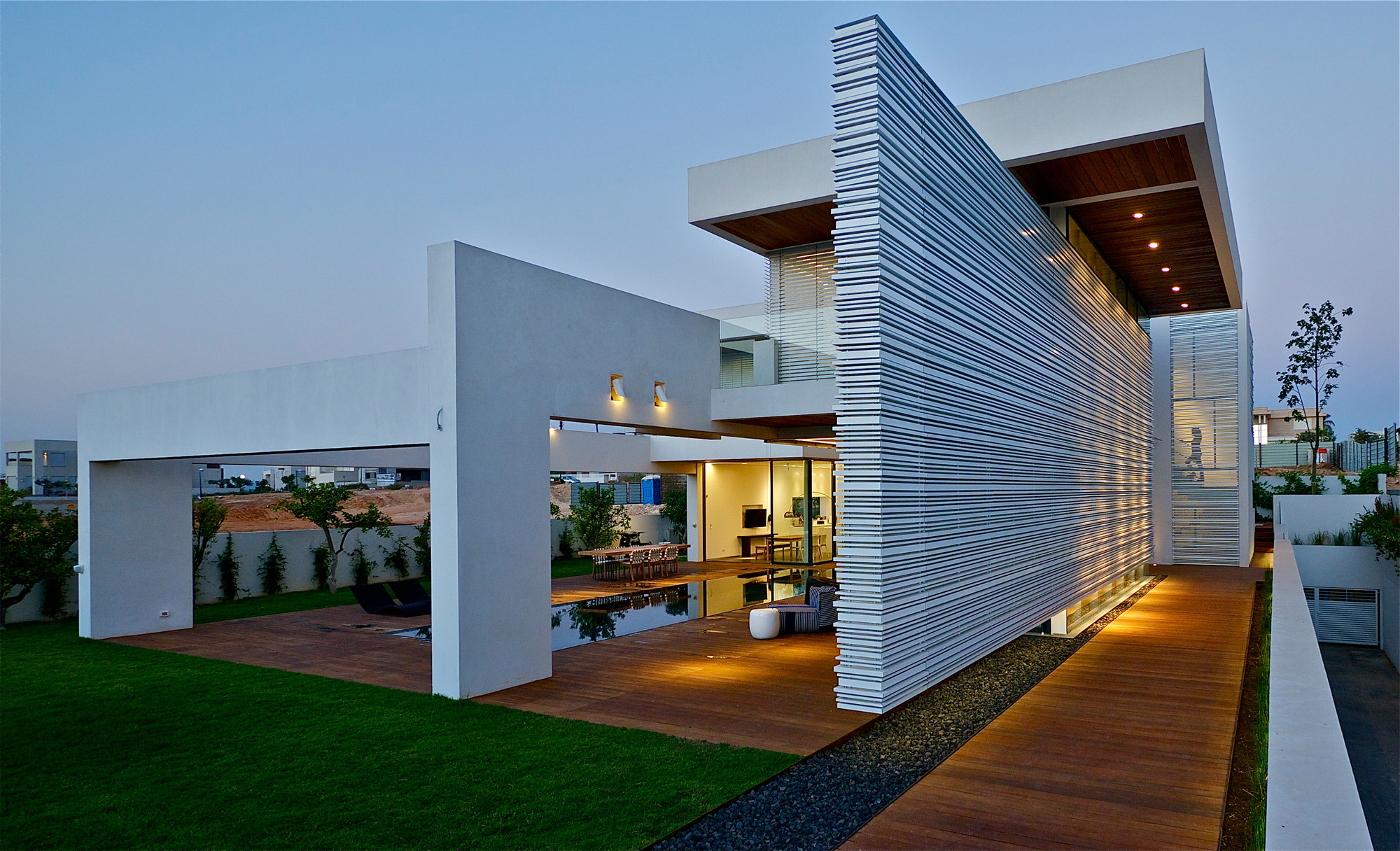 Villa c gal marom architects archdaily for Villa de luxe contemporaine