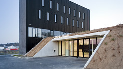 Anndenne's Cultural Center  / Label Architecture