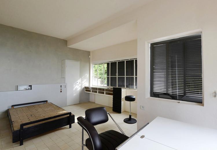 Villa E-1027 - Dormitorio principal. Imagen © Tim Benton – FLC/ADAGP