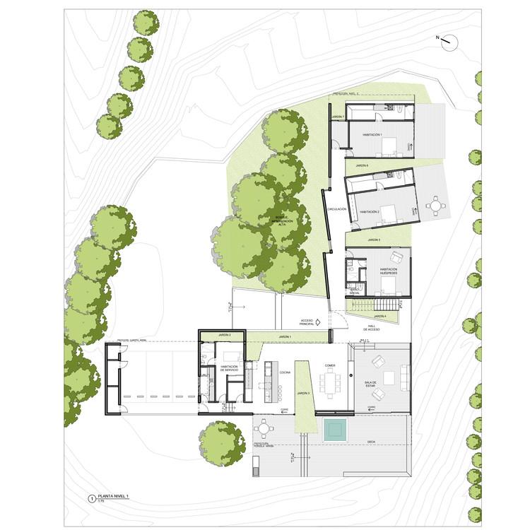 Casa entre jardines planta baja estudio lightcube for Plantas de colegios arquitectura