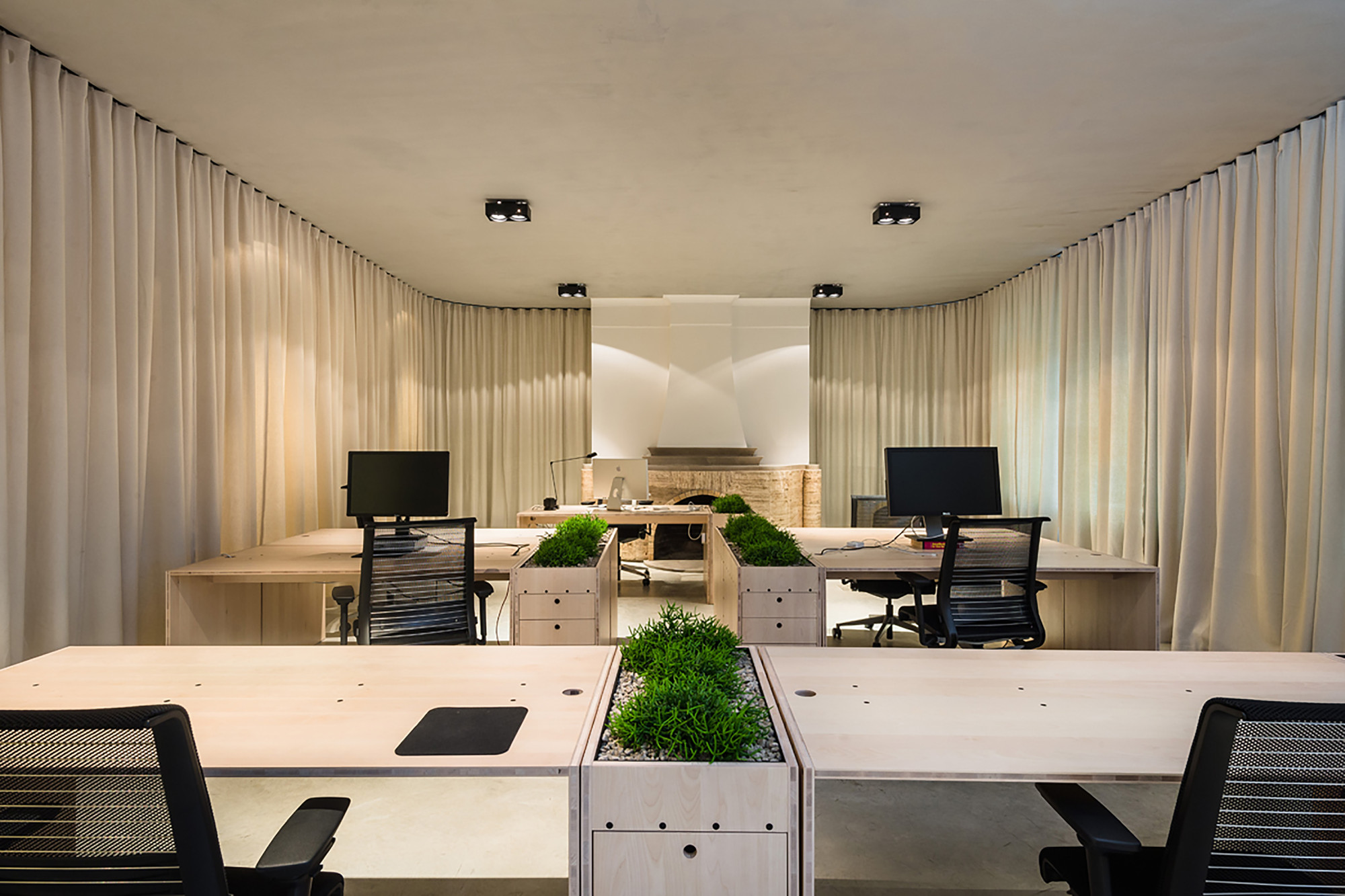 Un Curtain Office Dekleva Gregoric Architects Archdaily