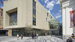 Lunder Arts Center / Bruner/Cott & Associates