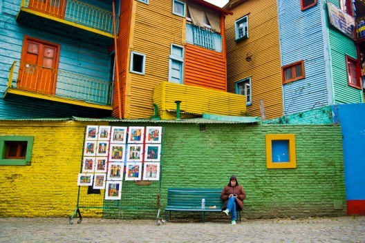 Barrio La Boca, Buenos Aires. © Hernán Piñera, vía Flickr. Used under <a href='https://creativecommons.org/licenses/by-sa/2.0/'>Creative Commons</a>