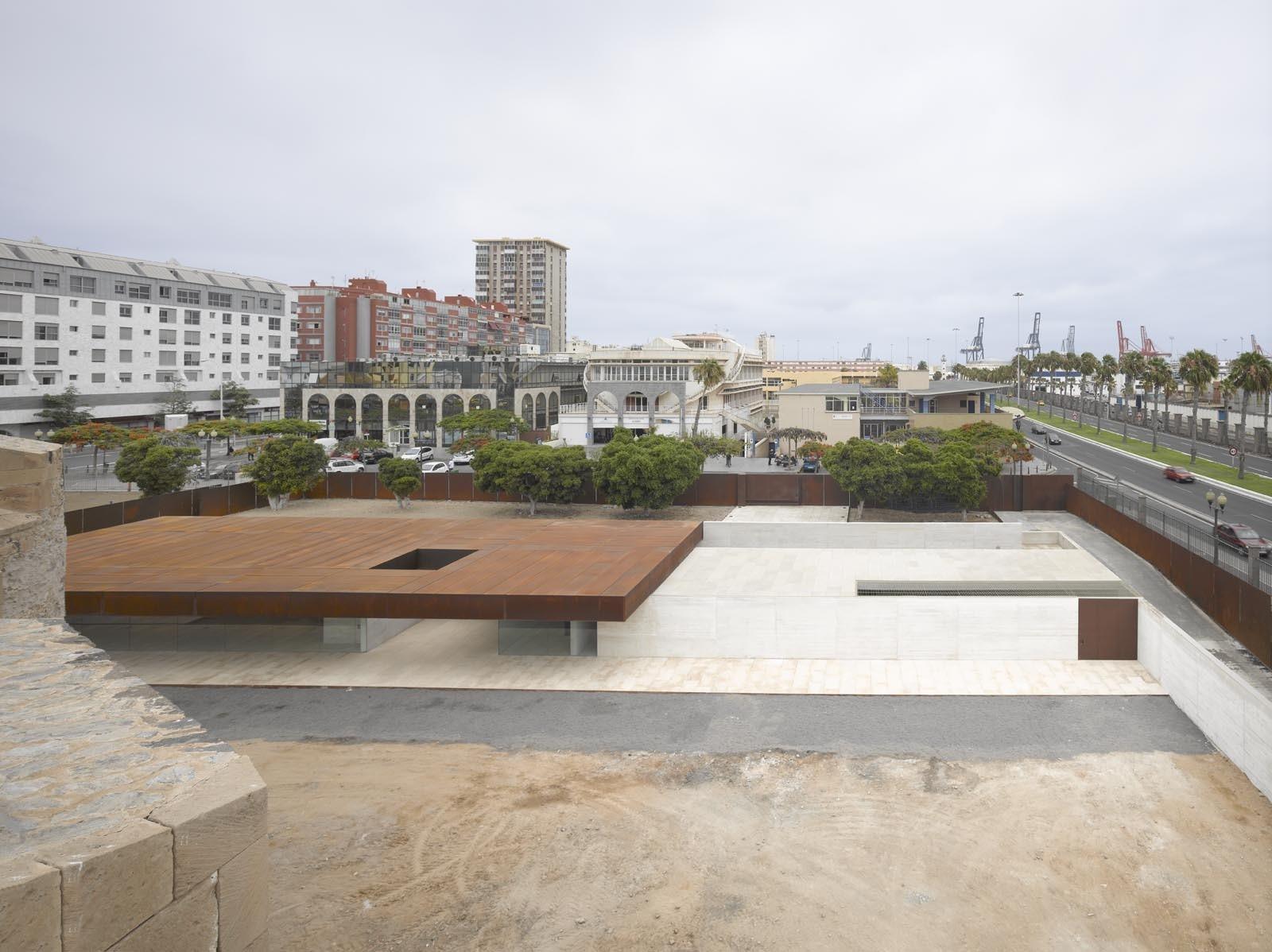 Mención: Museo Castillo De La Luz / Nieto Sobejano Arquitectos. Image © Roland Halbe
