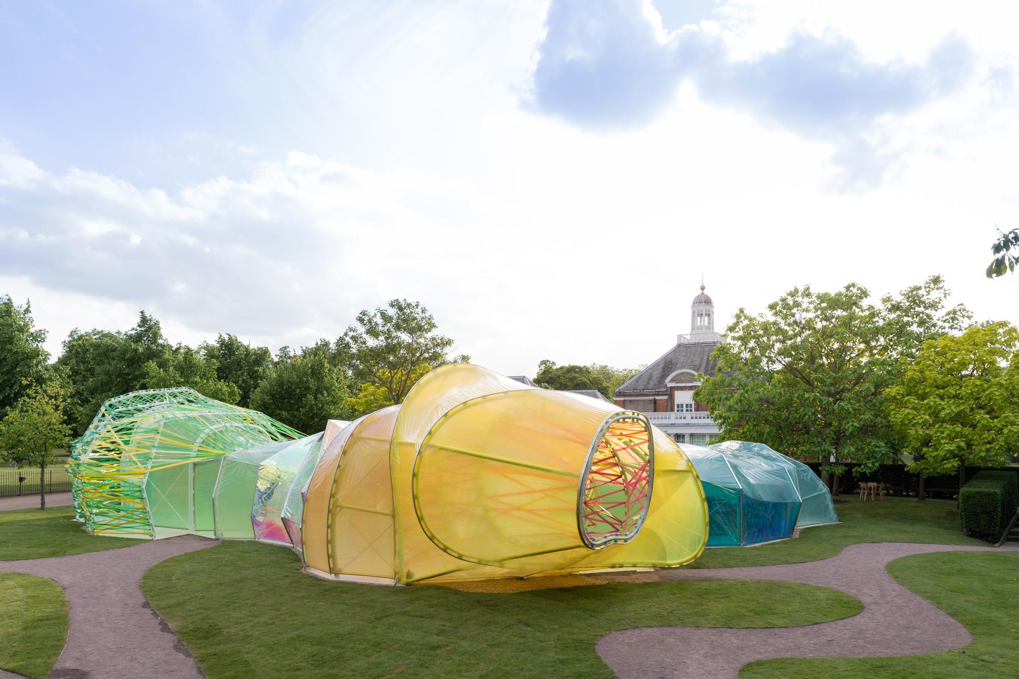 Serpentine Pavilion diseñado por SelgasCano 2015. Imagen © Iwan Baan