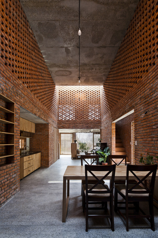 Termitary House / Tropical Space. Imagen © Hiroyuki Oki