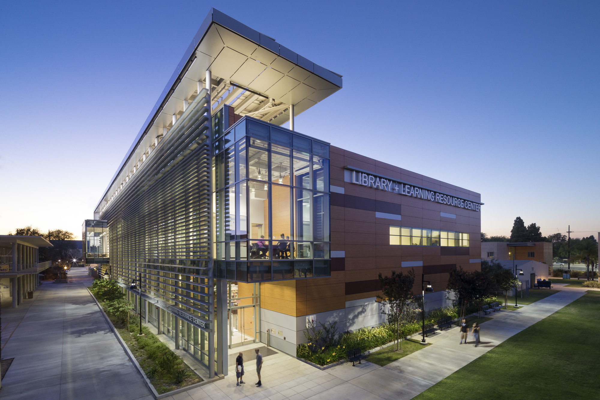 Harbor College Library and Learning Resource Center. Image © Brandon Shigeta
