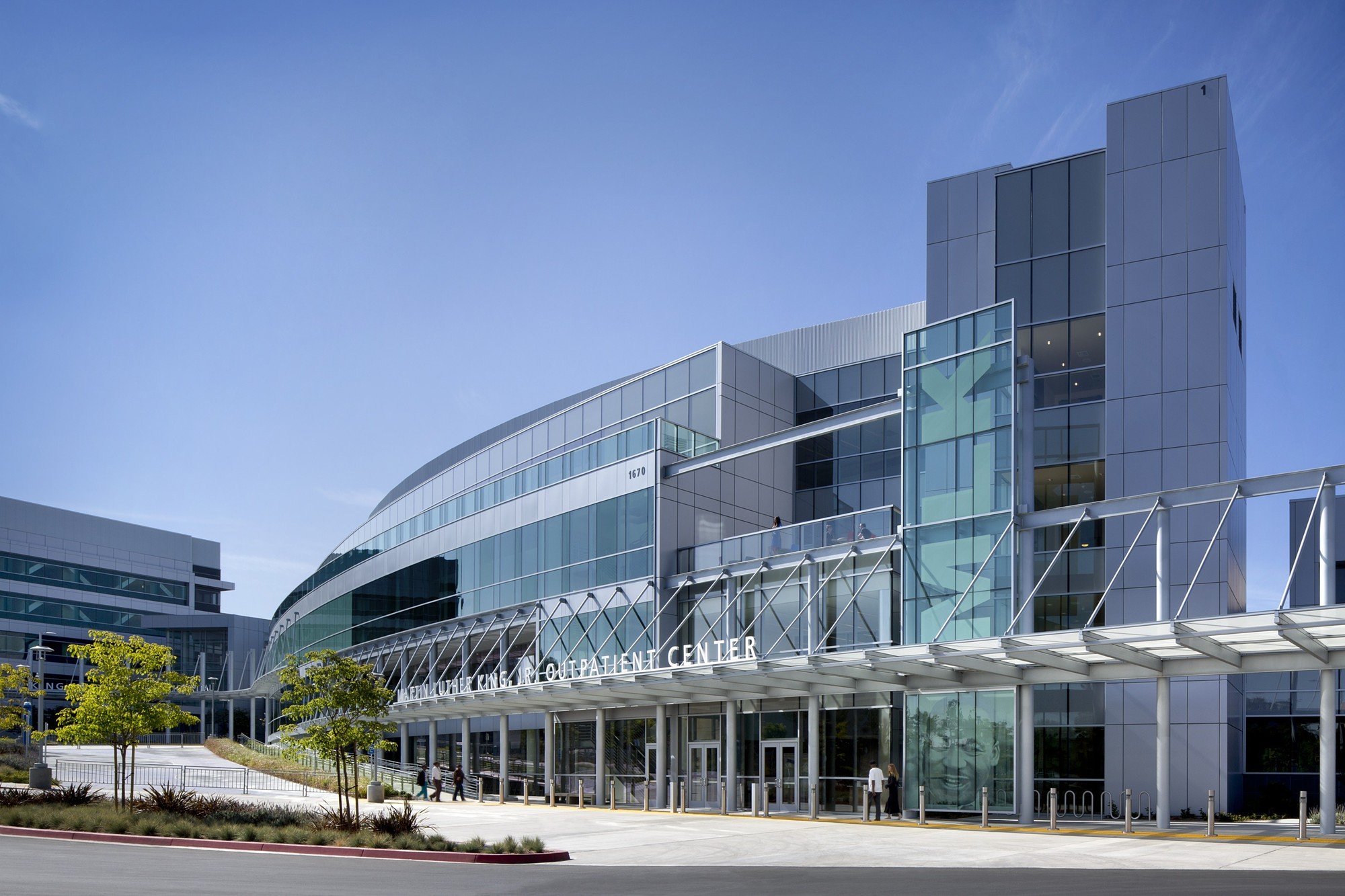 Martin Luther King, Jr. Outpatient Center. Image Courtesy of HMC Architects
