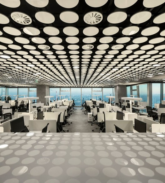 Uralchem Headquarters; Moscú / Luis Pedra Silva - Pedra Silva Architects. Imagen cortesía de INSIDE