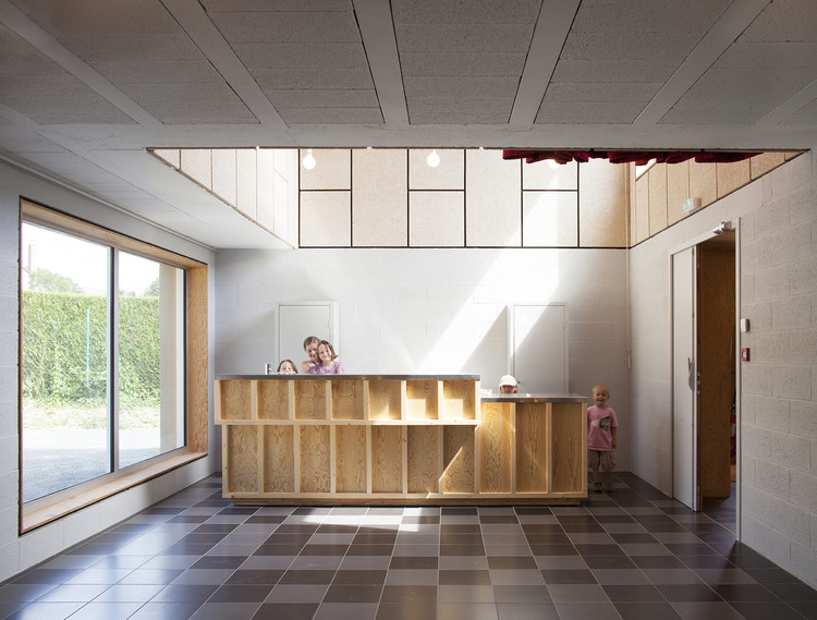 Community Hall in Saint Pierre des Bois / Boidot & Robin Architects, © Clement Guillaume