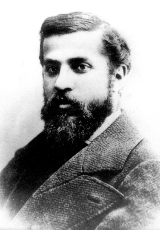 Gaudí in 1878. Public Domain image taken by Pau Audouard
