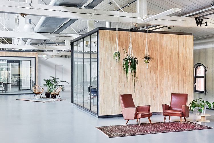 Fairphone Head Office in Amsterdam / Melinda Delst Interior Design, © James Stokes Photography