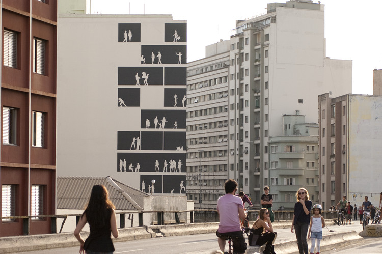 "Nitsche Arquitetos' Full Scale Mural Brings Life to São Paulo's ""Blind Walls"""