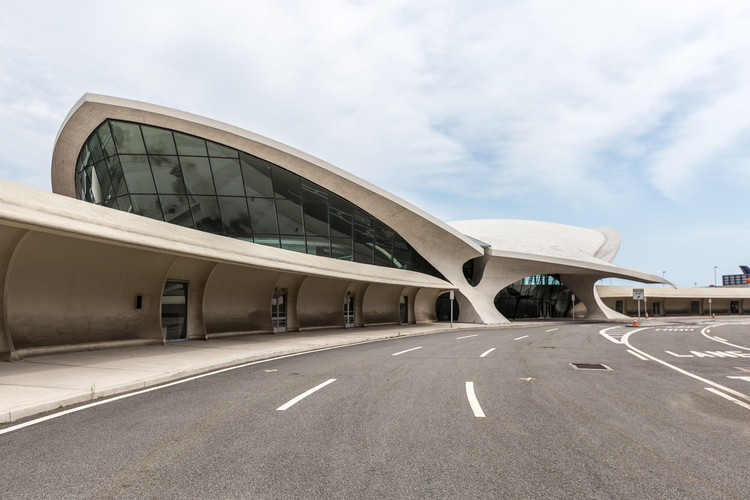 Photographer Max Touhey Gives a Rare Glimpse Inside Eero Saarinen's TWA Flight Center, © Max Touhey for Curbed NY