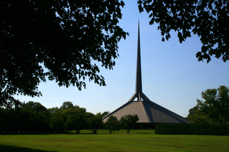 North Christian Church / Eero Saarinen. Image © Flickr user Danube66