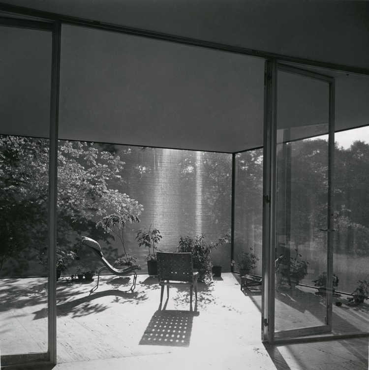 Farnsworth House, looking northwest from the interior of screened-in porch, furnished by Farnsworth. Undated.  [BACK] Gorman's Child Photography. Courtesy and copyright of Newberry Library, Chicago, Illinois.