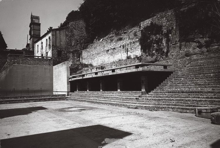 Plaza de La Trinidad. Image Cortesia de Archivo Peña Ganchegui