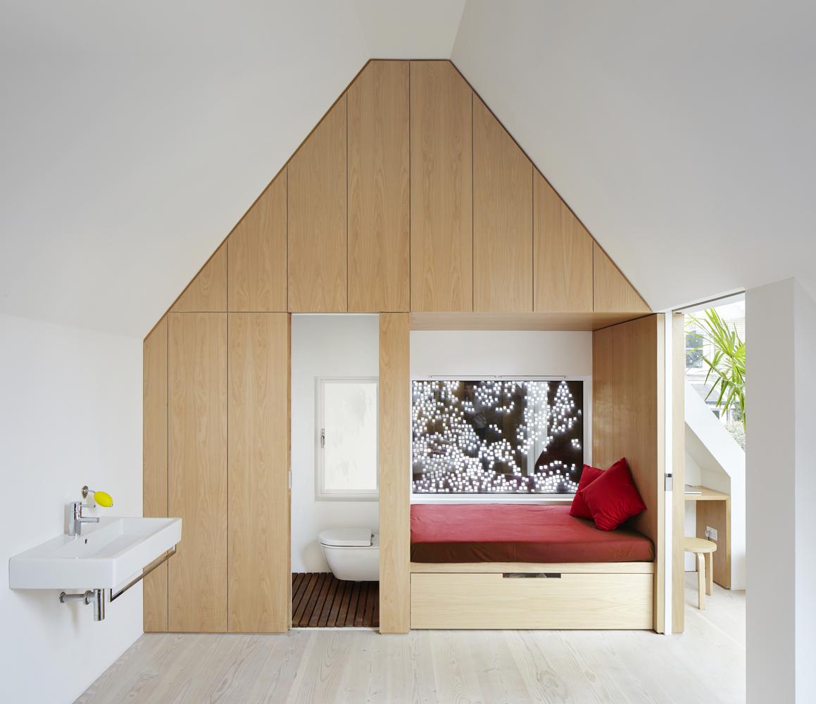 Детская комната с туалетом