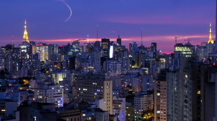 São Paulo. Imagen © Flickr CC user Júlio Boaro