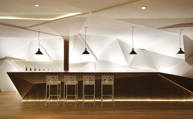 Bar Nosotros / Studio Otto Felix, © Denilson Machado / MCA