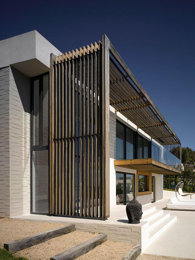 Стеклянный балкон. Дизайн JaK Studio