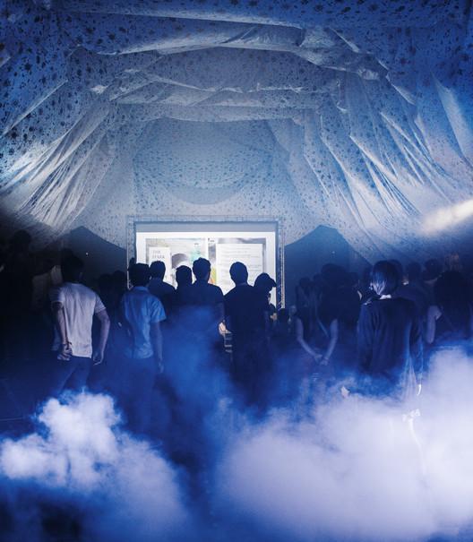 Sticky Airs, el Humo como elemento espacial por C+arquitectos , © Miguel de Guzmán
