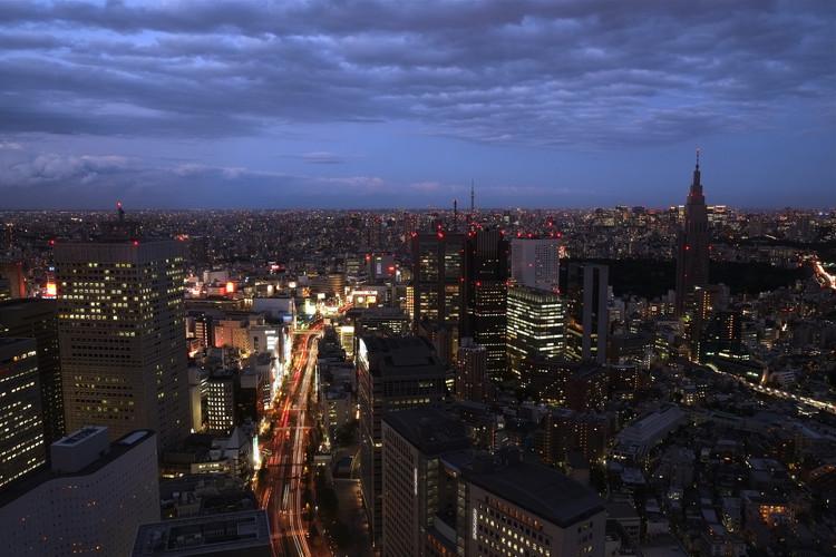 Tokio desde Shinjuku. Image Cortesía de Max Sat [Flickr CC User]
