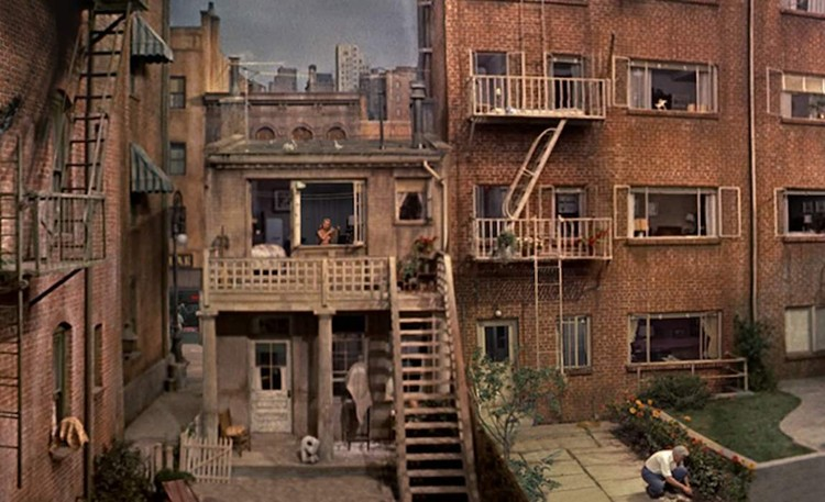 Rear Window (1954). Image Cortesía de Curso de Ética, School of Architecture UIC