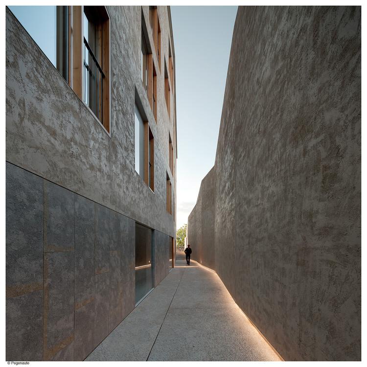 Edificio de viviendas para realojos en el Casco Histórico de Pamplona / Pereda Pérez arquitectos, © Pedro Pegenaute