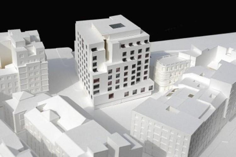 Maqueta del hotel proyectado. Image