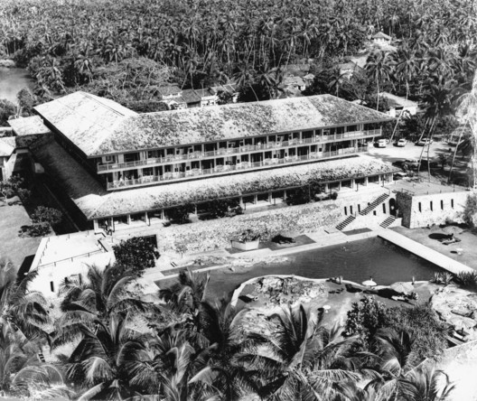 An Aerial View of the Bentota Beach Hotel. Image Courtesy of The Geoffery Bawa Trust in Colombo, David Robson and Anjalendran C.