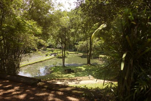 The gardens at Lunuganga. Image © Wikimedia CC user Labeet