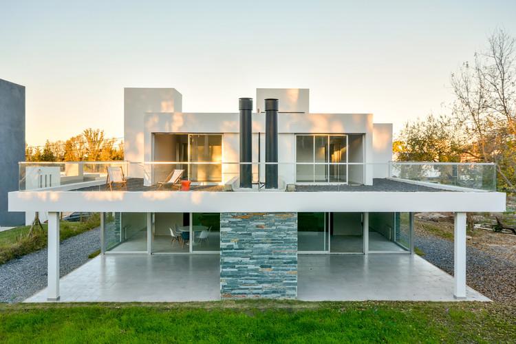 Paired Residences / Estudio A+3, © Gonzalo Viramonte