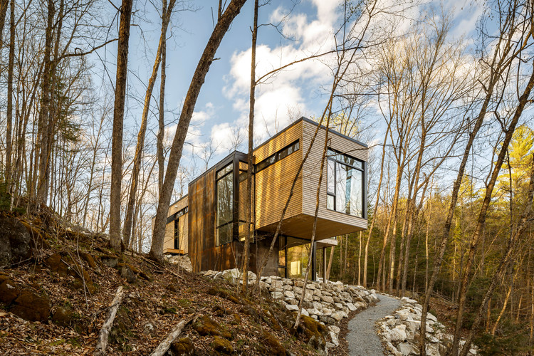 Cabaña en Val-des-Monts / Christopher Simmonds Architect, © Doublespace Photography
