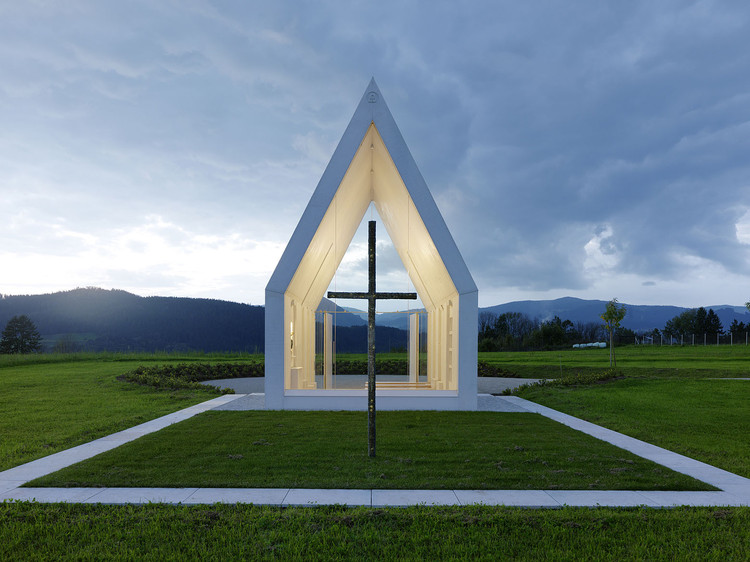 capela maria magdalena sacher locicero architectes archdaily brasil. Black Bedroom Furniture Sets. Home Design Ideas