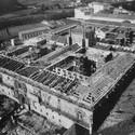 Reconstrucción de la cubierta del Parador Museo de Santiago de Compostela (Hostal dos Reis Católicos) durante 1953. Image © Cano Lasso + De La Joya + Moreno Barberá