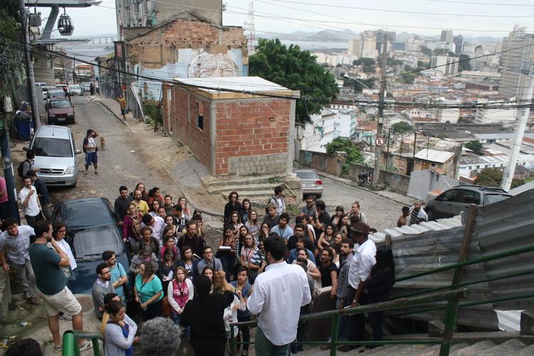 Rio Academy: Mobilidade, arte pública e acupuntura urbana fecham o ciclo de debates, Visita Técnica Morro da Provicência. Image © Gabriel Pedrotti