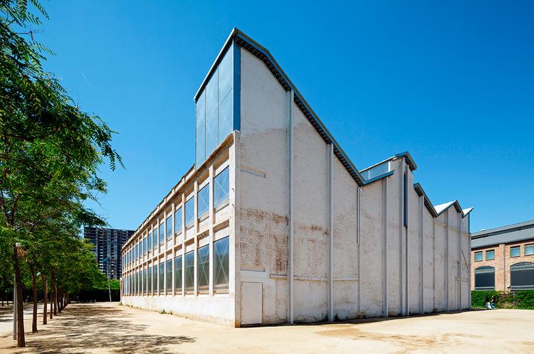 Vista Exterior, fábrica Oliva Artés. Image © Marcela Grassi