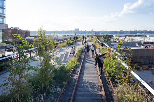 The High Line's third section in New York. Image © Iwan Baan, 2014