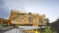 Edificio de servicios estudiantiles Ngoolark / JCY Architects and Urban Designers