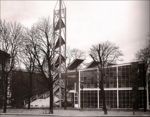 Soviet Pavilion at the Paris Exposition Internationale des Arts Décoratifs et Industriels Modernes (1925) / Konstantin Melnikov. Image © <a href='http://ift.tt/2umBVqd user kitchener.lord</a> licensed under <a href='http://ift.tt/2u6ZjwL BY-NC-ND 2.0</a>