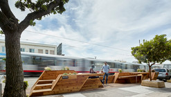 Sunset Parklet, una plazoleta diseñada por INTERSTICE Architects