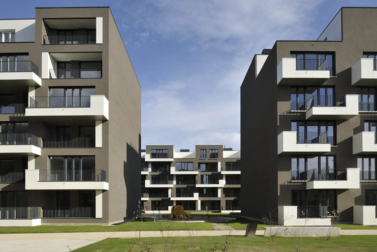 Housing Brdo Unit F5 / multiPlan arhitekti, © Miran Kambič