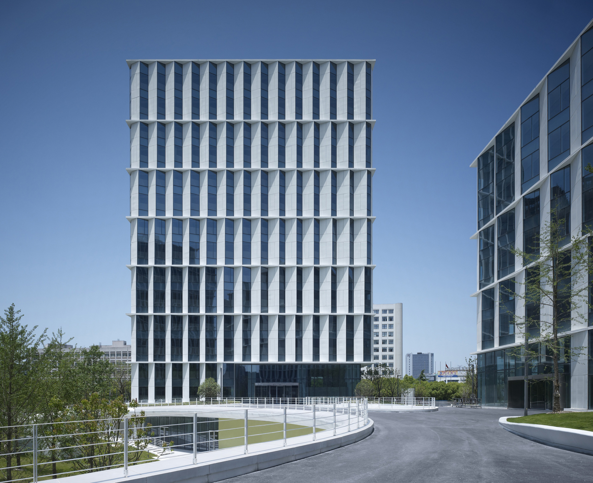Gallery Of 3cubes Office Building Gmp Architekten 5