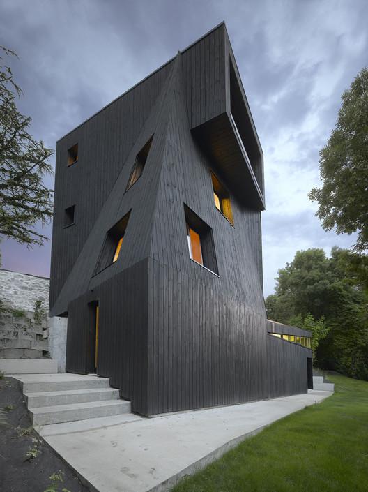Saint-Ange Residency / Studio Odile Decq, © Roland Halbe
