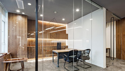 Paper Folding Space - ELLE Office / feeling Brand Design Co. Ltd
